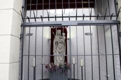 Den-Bosch-Mariabeeld-achter-tralies