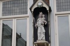 Den-Bosch-Mariabeeld-in-de-Korenbrugstraat