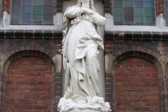 Hoogerheijde-RK-Kerk-OLV-Hemelvaart-H-Hartbeeld-2