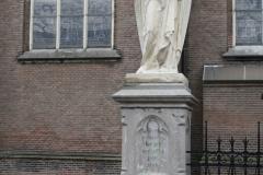 Oss-Engel-bij-Grote-Kerk