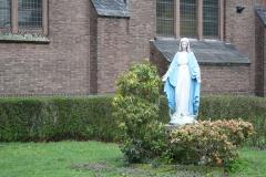 Oss-Mariabeeld-bij-Heilige-Geest-Kerk