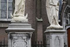 Oss-Mariabeeld-met-engelen-bij-Grote-Kerk-2
