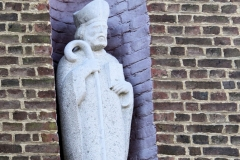 Urmond-Beeld-in-buitenmuur-Terpkerk-2