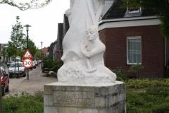Voerendaal-Beeld-H.-Barbara-Laurentiusplein