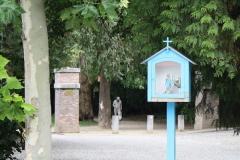 Sint-Truiden-078-Mariakapelletje-bij-Ridders-de-Menten-de-Horneplein