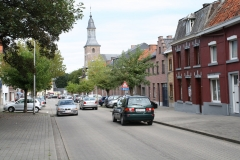 Sint-Truiden-252-Straatbeeld-met-Sint-Jacobskerk