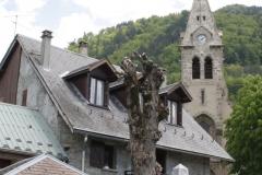 Oisans-038-Eglise-Saint-Pierre-de-La-Garde-en-monument