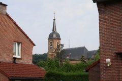 Eys-Sint-Agathakerk-boven-de-huizen-1