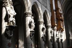 St.-Michielskathedraal-Beelden-van-de-apostelen