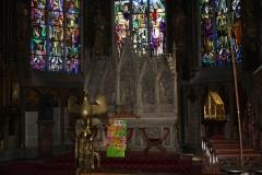 Sint-Truiden-H.Hartkerk-001-Gouden-vogel-en-altaar