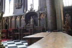 Sint-Truiden-H.Hartkerk-008-Banken-van-houtsnijwerk
