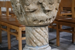 Sint-Truiden-Sint-Gangulfuskerk-013-Doopvont