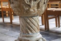 Sint-Truiden-Sint-Gangulfuskerk-014-Doopvont