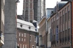 Sint-Truiden-108-Straatgezicht-met-Abdijtoren