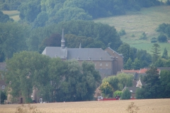 Wittem-Vergezicht-met-klooster-3