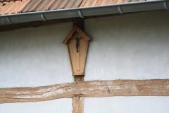 Voerendaal-Kruisbeeld-tegen-muur-vakwerkhuis