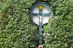 Remersdaal-Houten-wegkruis-rond-1