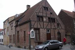 Maaseik-Huis-met-Beeld-van-H.-Maria-in-de-Vullerstraat