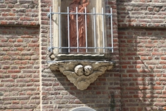 Sint-Truiden-152-Maria-en-kind-in-muurnis-in-Ridderstraat