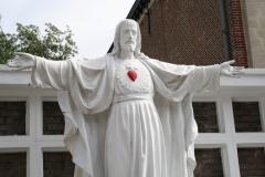 Sint-Truiden-238-H.-Hart-beeld-bij-Sint-Jacobskerk