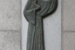 Sint-Truiden-285-Beeld-Franciscaan-met-vogel-door-Rik-van-Schil-1998