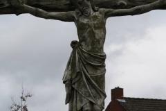 Hoogerheijde-Kruisbeeld-in-park-bij-stadhuis-1