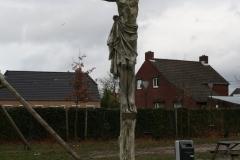 Hoogerheijde-Kruisbeeld-in-park-bij-stadhuis-2