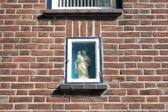 Ubachsberg-Christophel-met-Jezus-in-muurnis