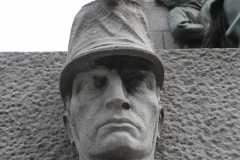 Brussel-2014-0478-Oorlogsmonument-op-Poelaertplein-detail
