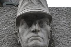 Brussel-2014-0489-Oorlogsmonument-op-Poelaertplein-detail