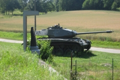 Eben-Emael-142-Tank-bij-fort