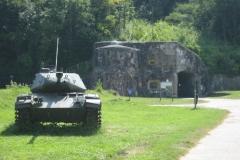 Eben-Emael-146-Tank-bij-fort