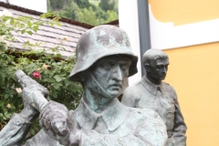 Neukirchen-157-Oorlogsmonument-WO-II-detail
