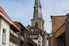 Sint-Truiden-036-Straatgezicht-met-toren-St-Maartenkerk