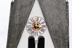 081-Pfarrkirche-Bramberg-Uurwerk