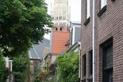 Haarlem-Valkestraat-met-zicht-op-Bakenesserkerk