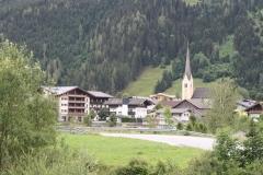 Hollersbach-021-Berglandschap-met-kerk